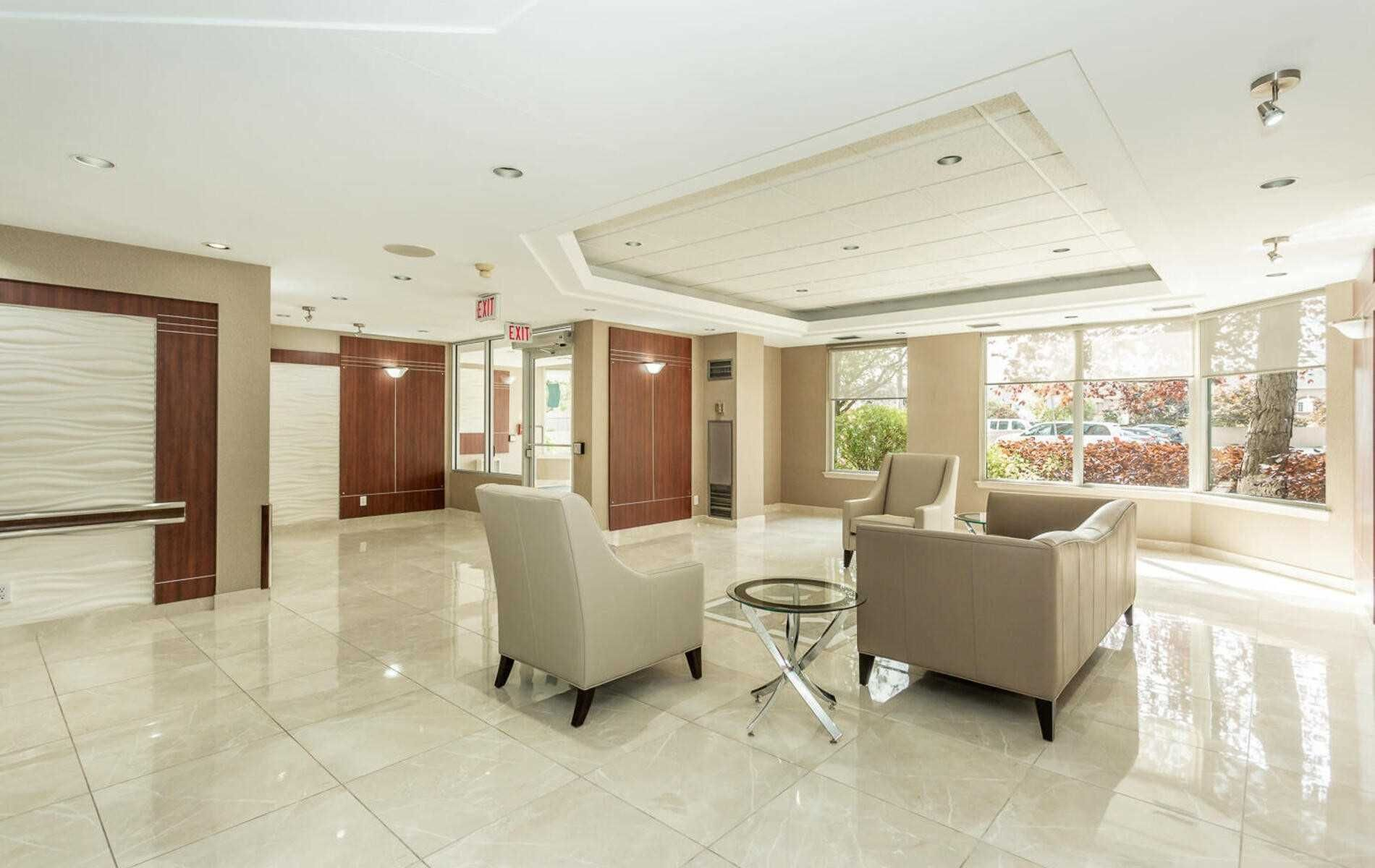 135 Hillcrest Ave, unit 1704 for sale in Toronto - image #2