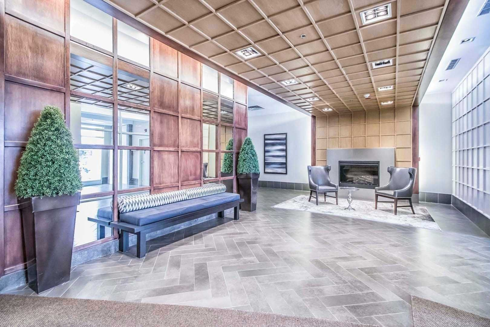 3391 Bloor St W, unit 512 for rent in Toronto - image #2