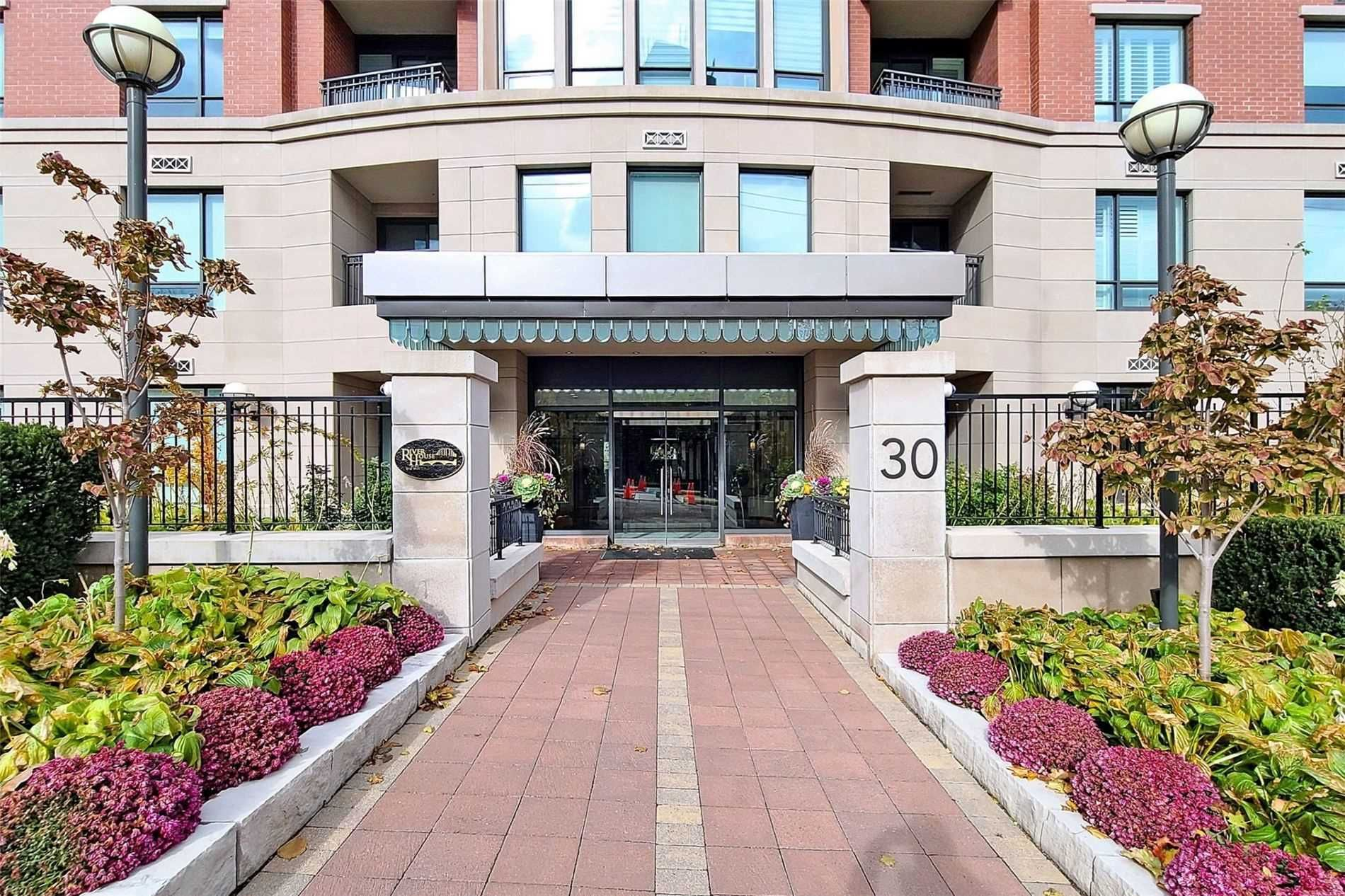 30 Old Mill Rd, unit 104 for sale in Toronto - image #2