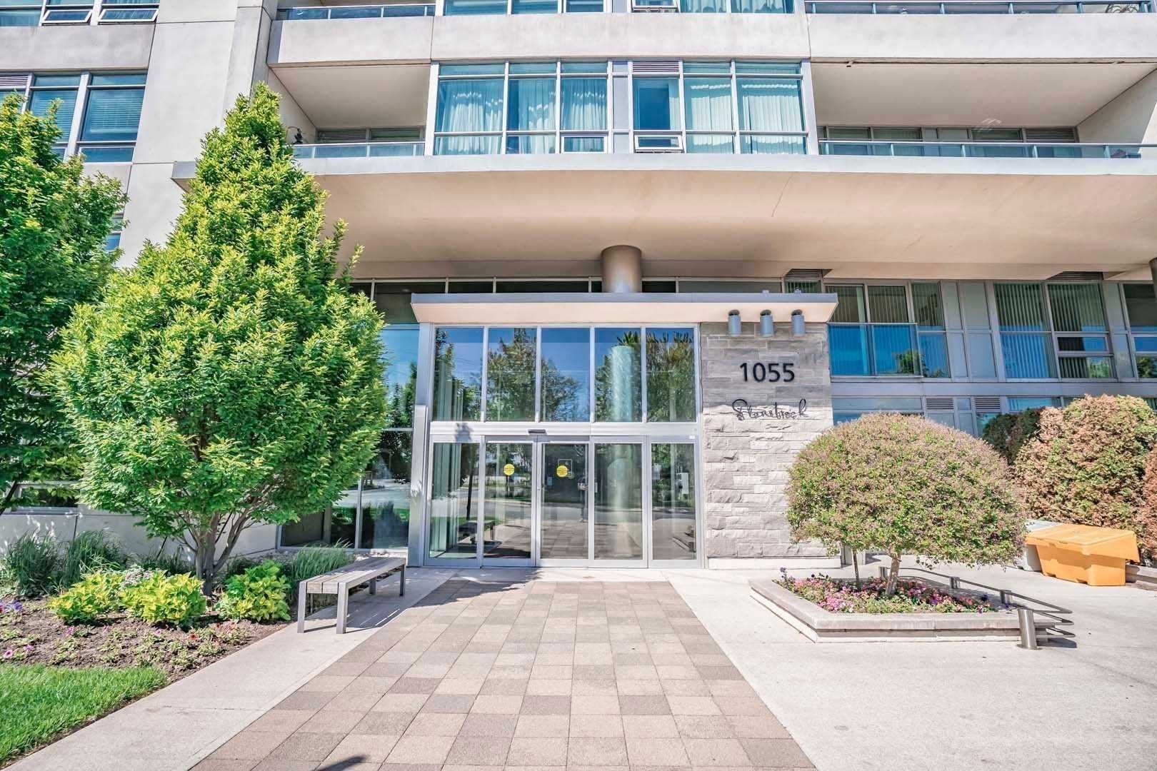 1055 Southdown Rd, unit 902 for rent in Toronto - image #1