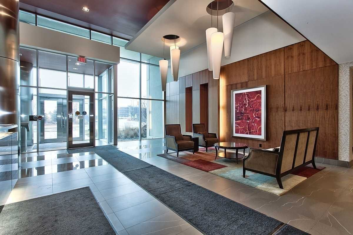 1055 Southdown Rd, unit 902 for rent in Toronto - image #2