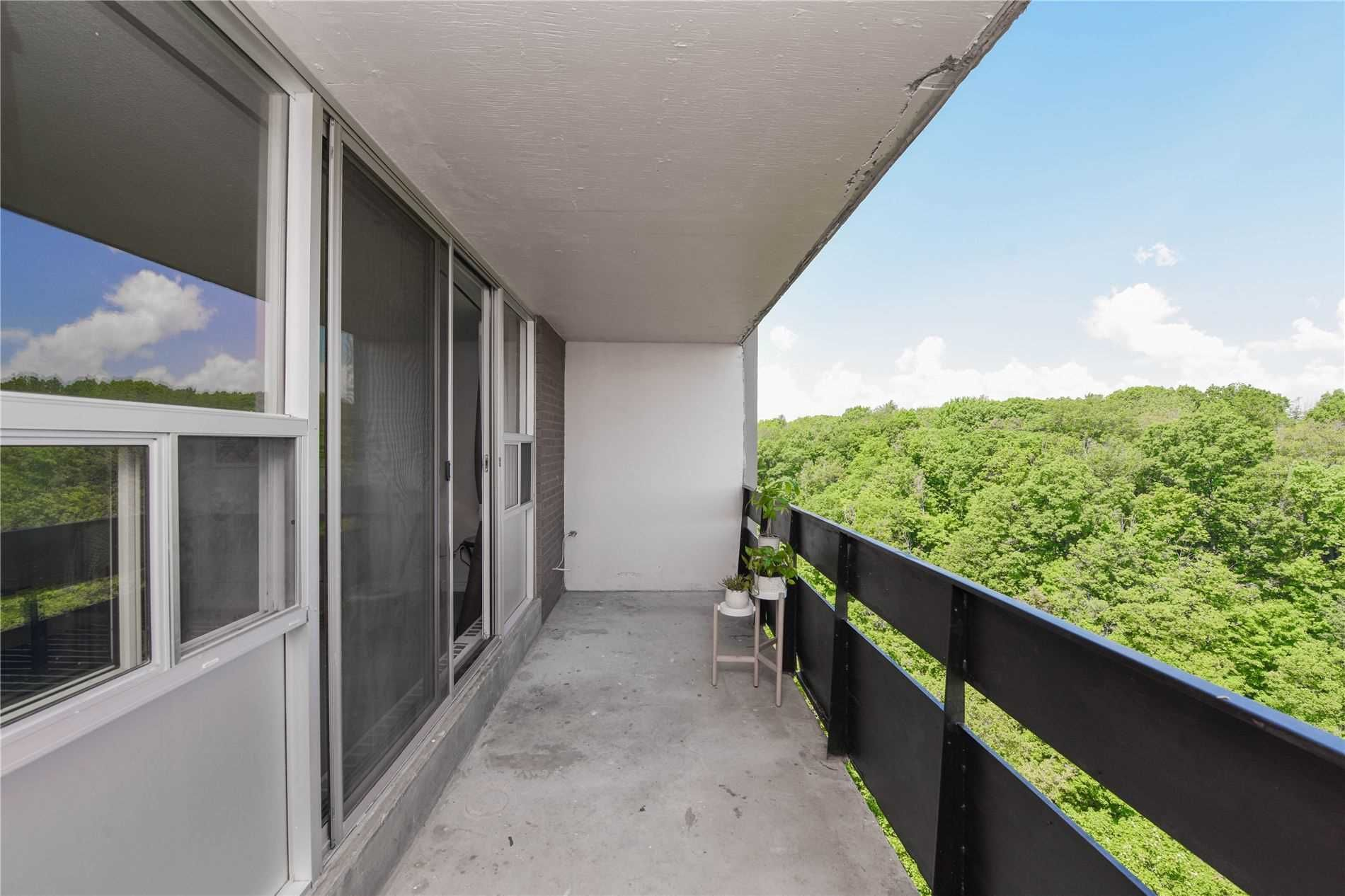 1968 Main St W, unit 1209 for sale in Toronto - image #2